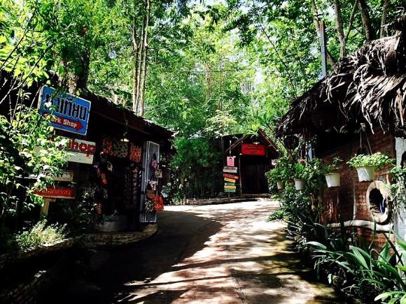 タイのスイス モール・バーン・ホーム・ティアン