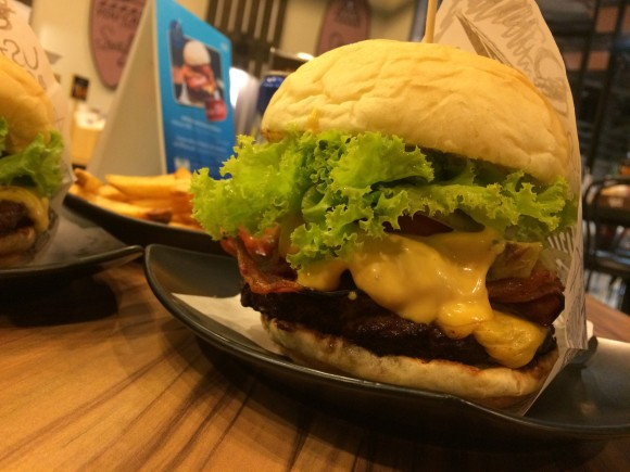 バンコクハンバーガーTeddy's bigger burgers