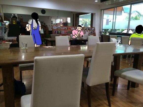 バンコク 漫画喫茶レストラン「ORANGE HOUSE」