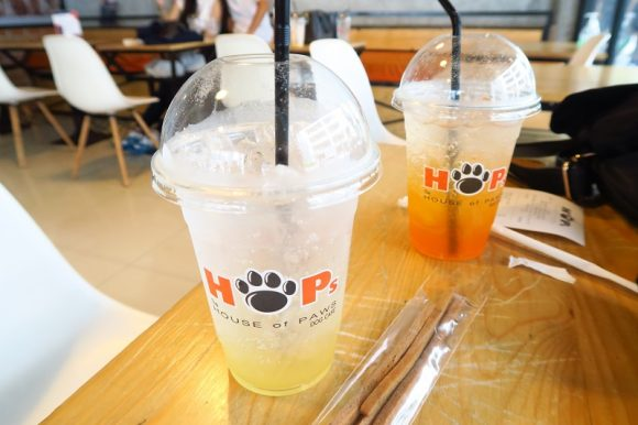 バンコクサイアム駅すぐ犬カフェ:HOPs