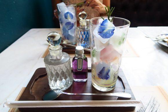 香水のようなオシャレドリンク「フェザーストーンカフェ」@エカマイソイ12