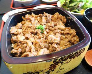 牛すき焼きまぶしランチ「やす田」@バンコク