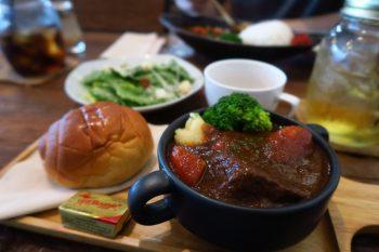 バンコクで北海道産の牛肉専門店「PEKOペコ」でランチ@トンローsoi49