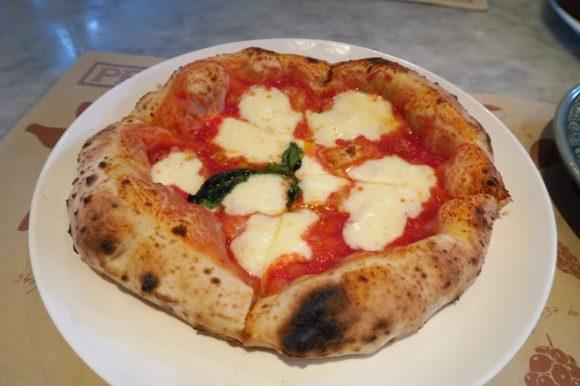 バンコクの人気のピザ屋さん「PEPPINA」でランチ@プロンポンsoi33