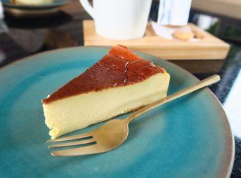 『KAIZEN COFFEE(カイゼンコーヒー)』でランチに話題のチーズケーキがこれまた美味しい!@エカマイsoi sukhumvit63