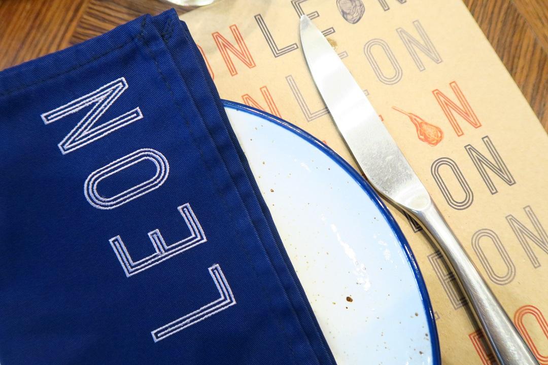 柔らかジューシーな熟成肉とガツンとバーガー『LEON by cocotte』がエムクオにオープン!(PR)