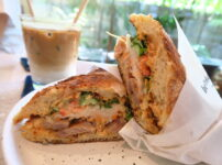 【Herringbone】緑いっぱいの落ち着いたカフェでバインミー食る@Sukhumvit 53